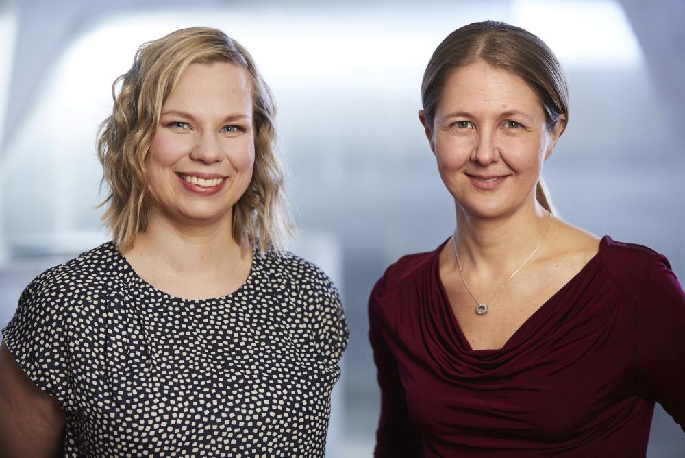 De första svenska For Women in Science-pristagarna Kristiina Tammimies och Annica Black-Schaffer. Foto: Fredrik Persson