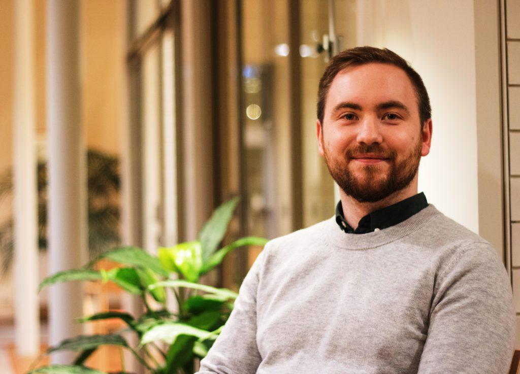 Porträttbild av Måns Pedersen.